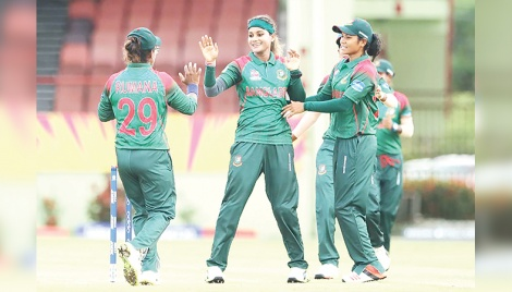 Women cricketers at crossroad