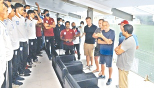 Former Chelsea coach visits BFF academy