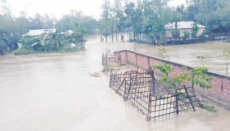 Rangpur flashfloods leave 30,000 stranded, submerge croplands