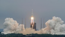 Rocket debris landed in Indian Ocean, says China
