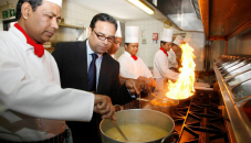 British curry industry tumbles as revenue drops by 75pc