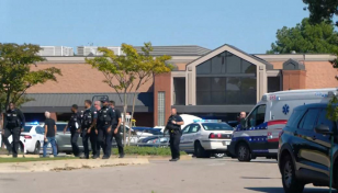 Gunman commits suicide after killing 1 at Tennessee supermarket